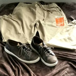 NWT URBAN PIPELINE twill/cotton joggers for men.
